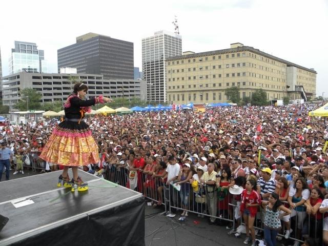 Presentación de la popular Chola Chabuca en una edición anterior del Festival Peruano de Nueva Jersey.