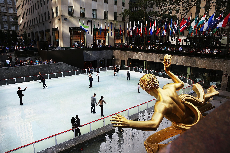 Esta sábado vuelve la pista de patinaje sobre hielo de Rockefeller Center.