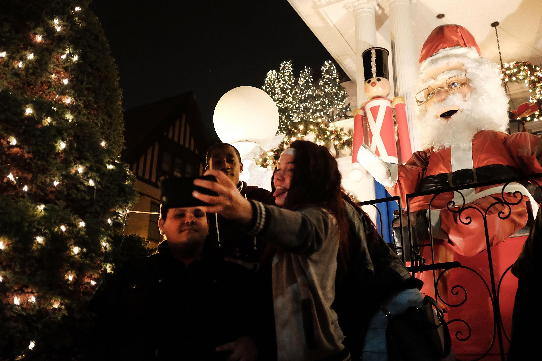 El selfie en Dyker Heights no puede faltar esta Navidad.