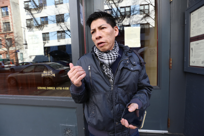 Trabajador de Blue Ribbon, Ramiro Yupa no trabajo en señal de protesta. Un Dia Sin Inmigrantes.