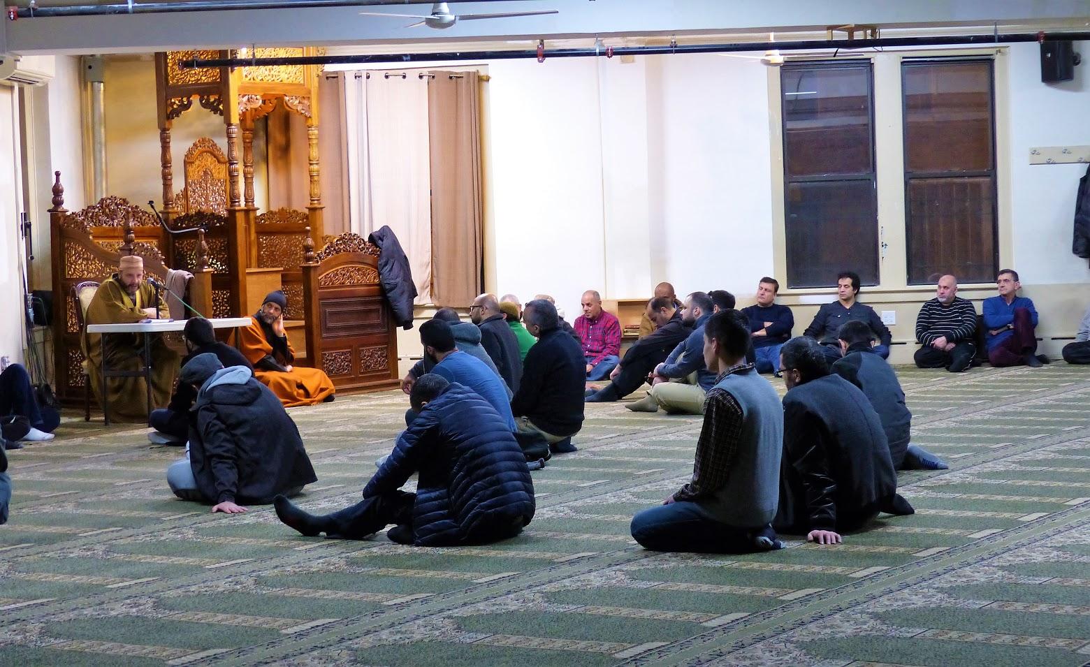 El 2% de los adultos del área de NYC identifican el islam como su religión. Zaira Cortés