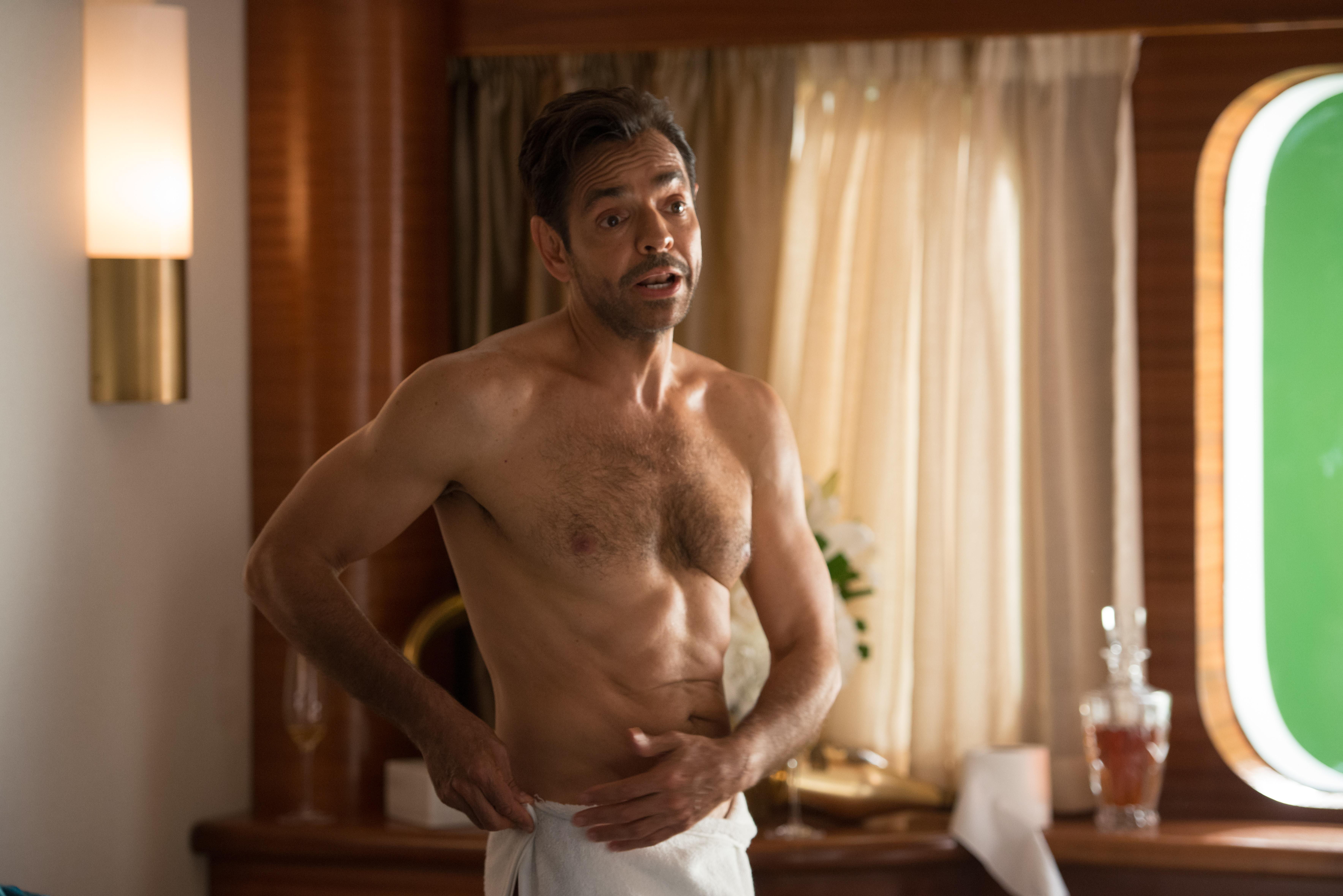 Derbez interpreta a Leonardo, un caprichoso playboy millonario.