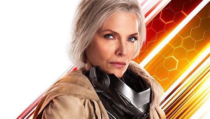 Michelle Pfeiffer como Janet Van Dyne.