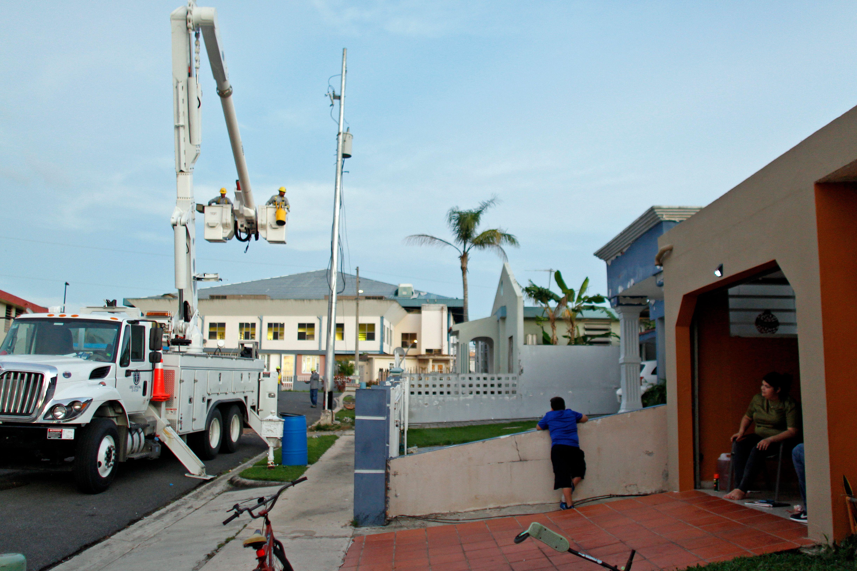 Suministro de electricidad en Puerto Rico tras huracán María.