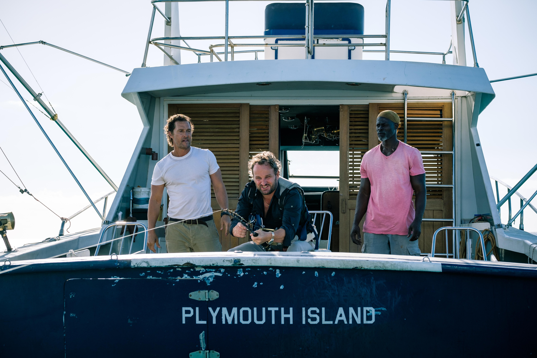 Jason Clarke, en el centro, interpreta al esposo millonario y abusador. / Foto: Aviron Pictures