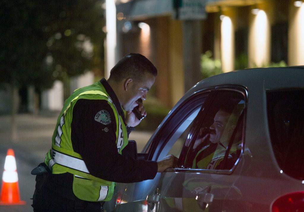 El número de vehículos confiscados en los Angeles disminuyó de 28,796 en 2011 a