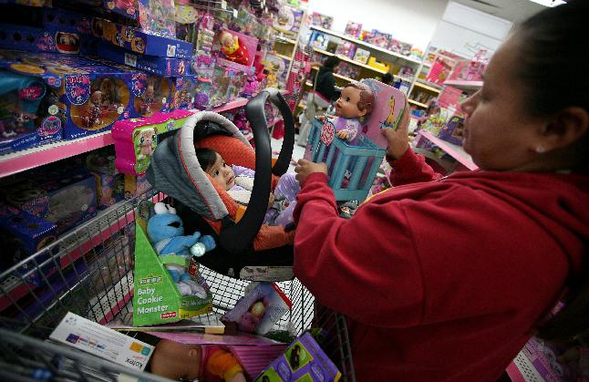 A la hora de comprar juguetes durante el Viernes Negro, debemos revisar que no hayan sido retirados del mercado (Foto: Archivo/La Opinión)