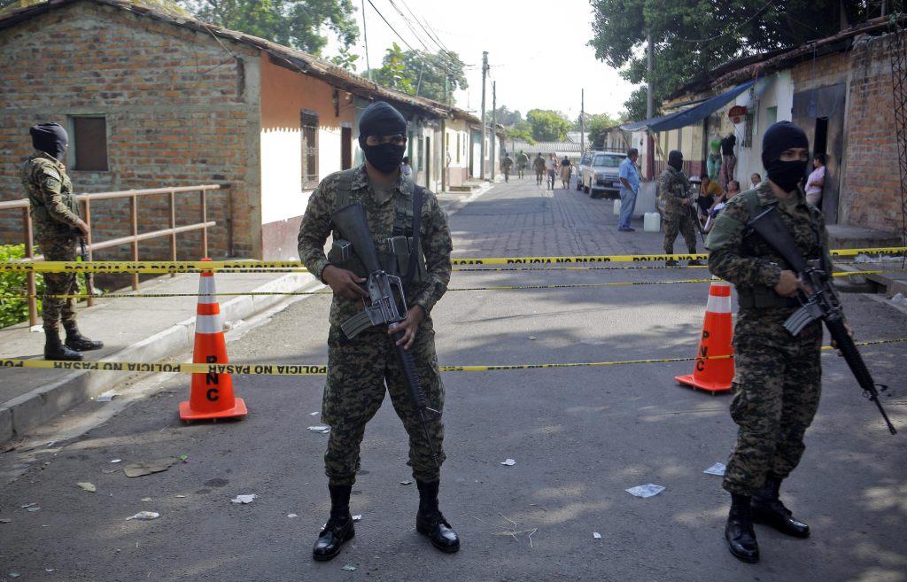 IDENTIFICADOS 13 DE 14 PANDILLEROS ASESINADOS EN CÁRCEL DE EL SALVADOR