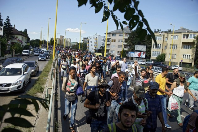 Refugiados camino a Austria.