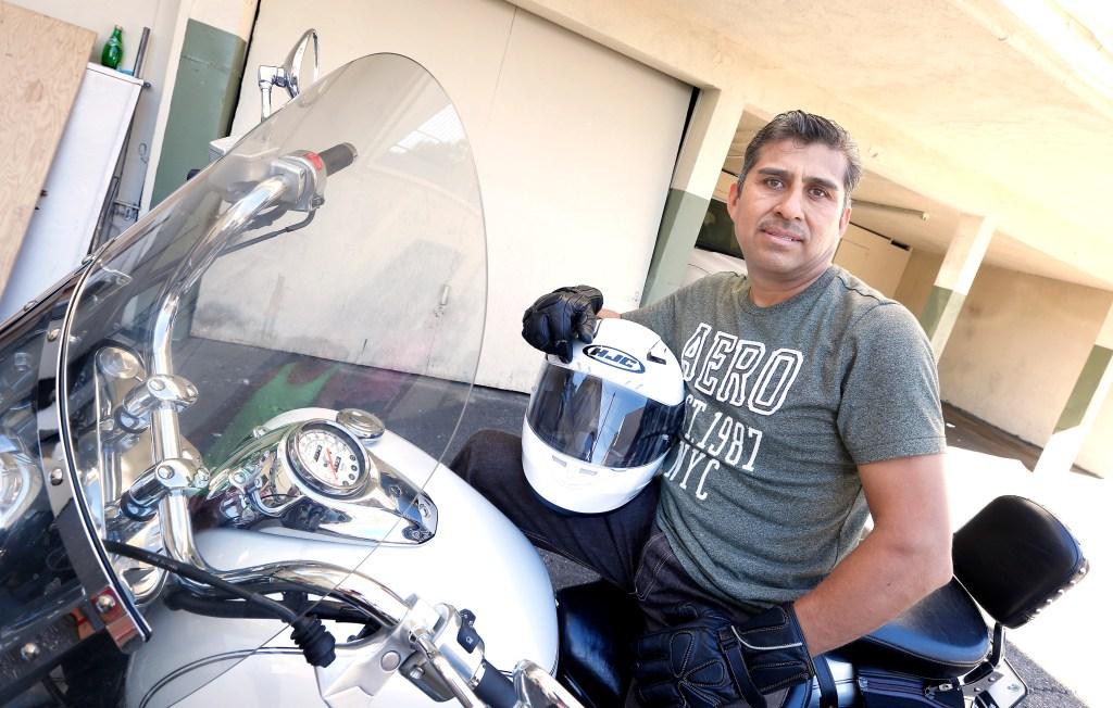 10/10/15 /EL MONTE/Immigrant Melecio Garcia speaks to La Opinion from his El Monte home about receiving the AB60 motorcyclist drivers license.  (Photo by Aurelia Ventura/La Opinion)