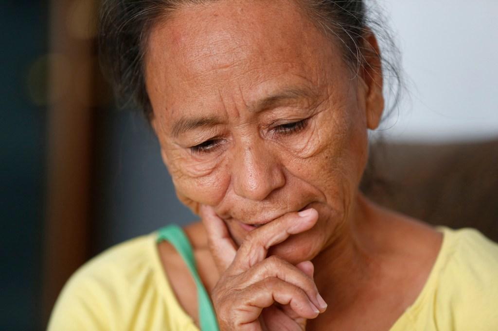 10/16/15/ TIJUANA/ÒMar'aÓ, una michoacana que huyendo de la extrema violencia en su comunidad pidi— asilo pol'tico en la Garita de San Ysidro y ah' la separaron de sus tres nietos. Ella no aguant— el encierro y ahora est‡ en un albergue de Tijuana, y sus nietos en un centro de Arizona. (Photo by Aurelia Ventura/La Opinion)