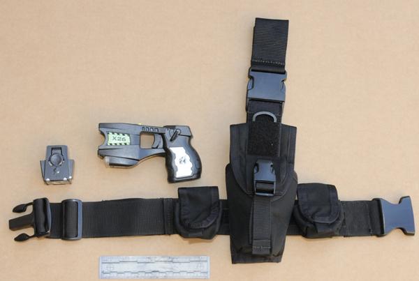 Poco más de 7,000 agentes en Los Ángeles estarán equipados con la pistola taser.