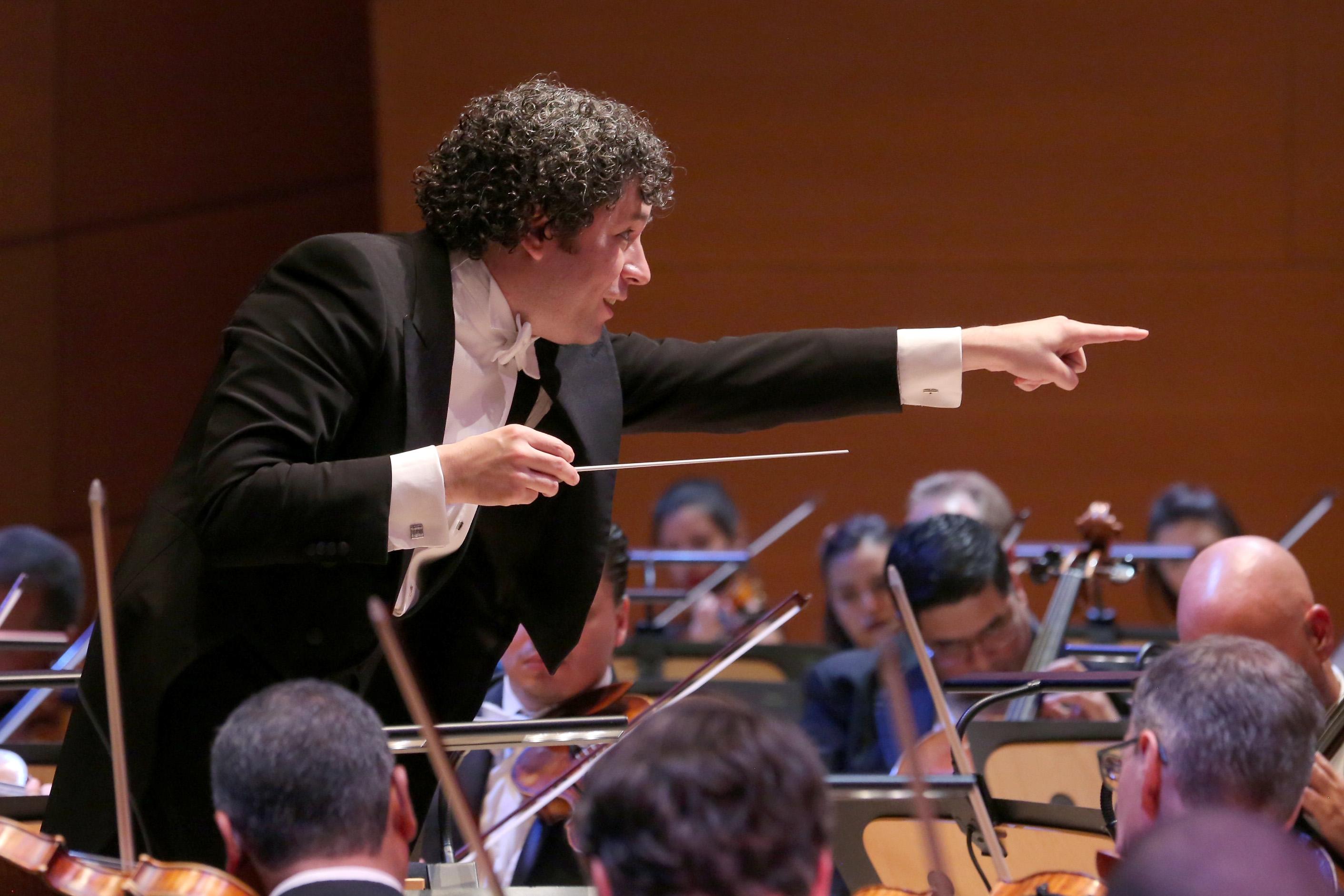 Gustavo Dudamel dirigirá a la Filarmónica de LA y la Orquesta Simón Bolívar en las nueve sinfonías de Beethoven.