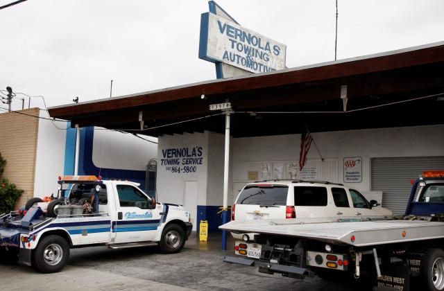 La empresa de grúas Vernola's Towing Service de Norwalk es propiedad de la familia de un prominente político de esa ciudad.