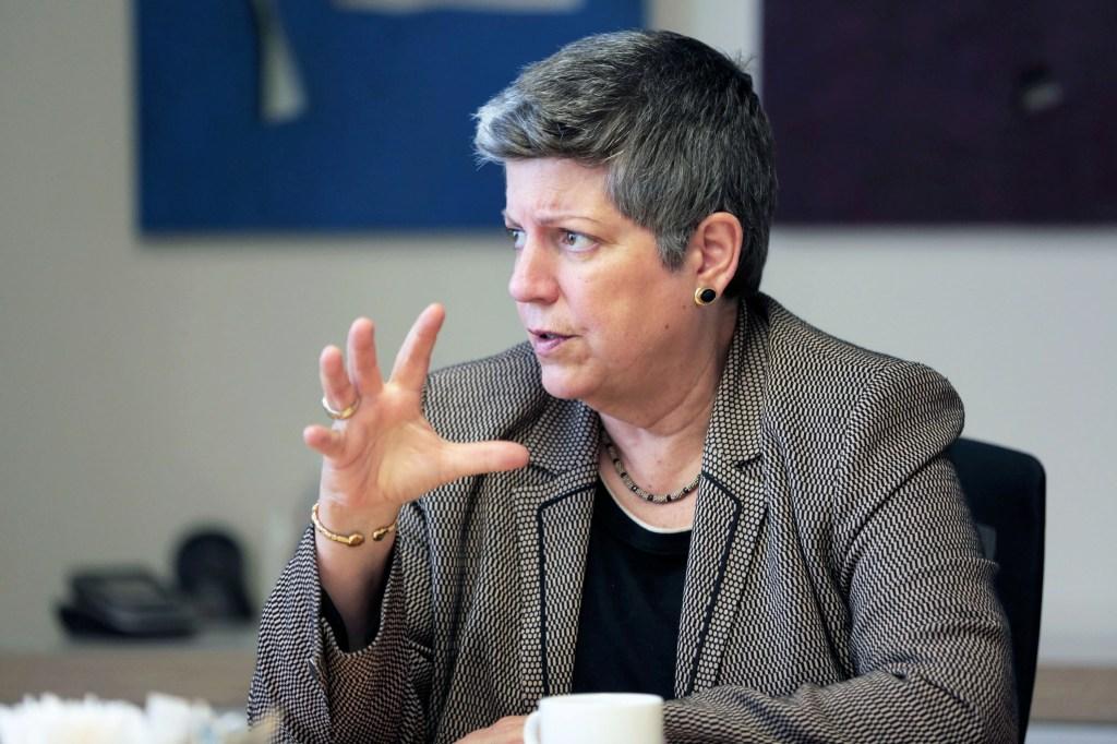 Janet Napolitano, presidenta del sistema de UC. (Ciro Cesar/La Opinion).