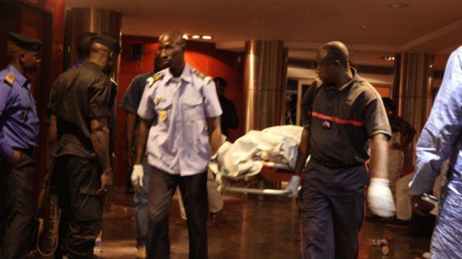 En el hotel estaban hospedadas unas 140 personas.