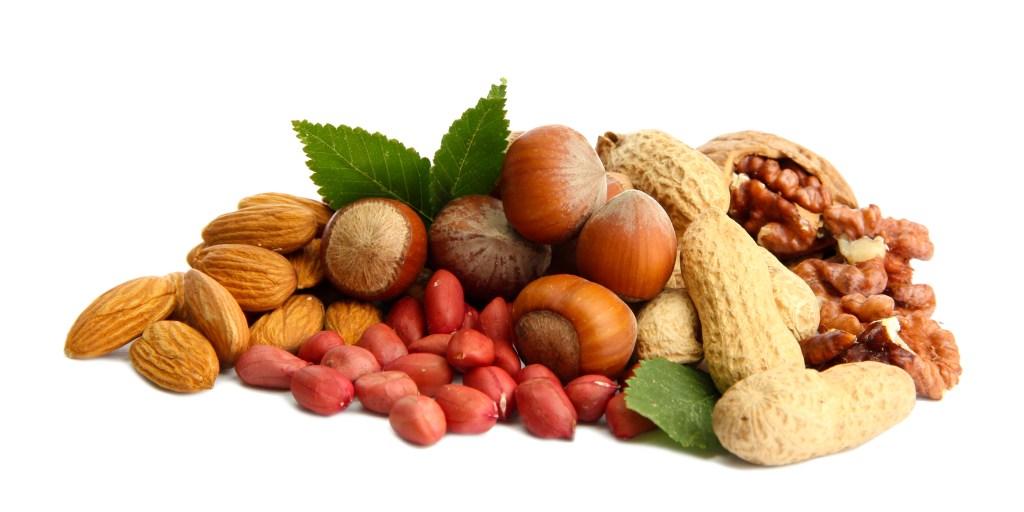 Una onza de frutos secos aporta de 3 a 8 gramos de proteína.