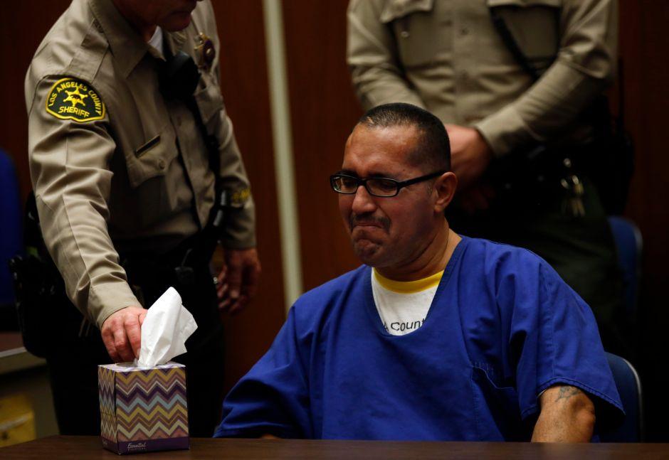 Luis Lorenzo Vargas rompe en llanto al escuchar que su sentencia fue revertida. /Pool Photo / Francine Orr /LATimes