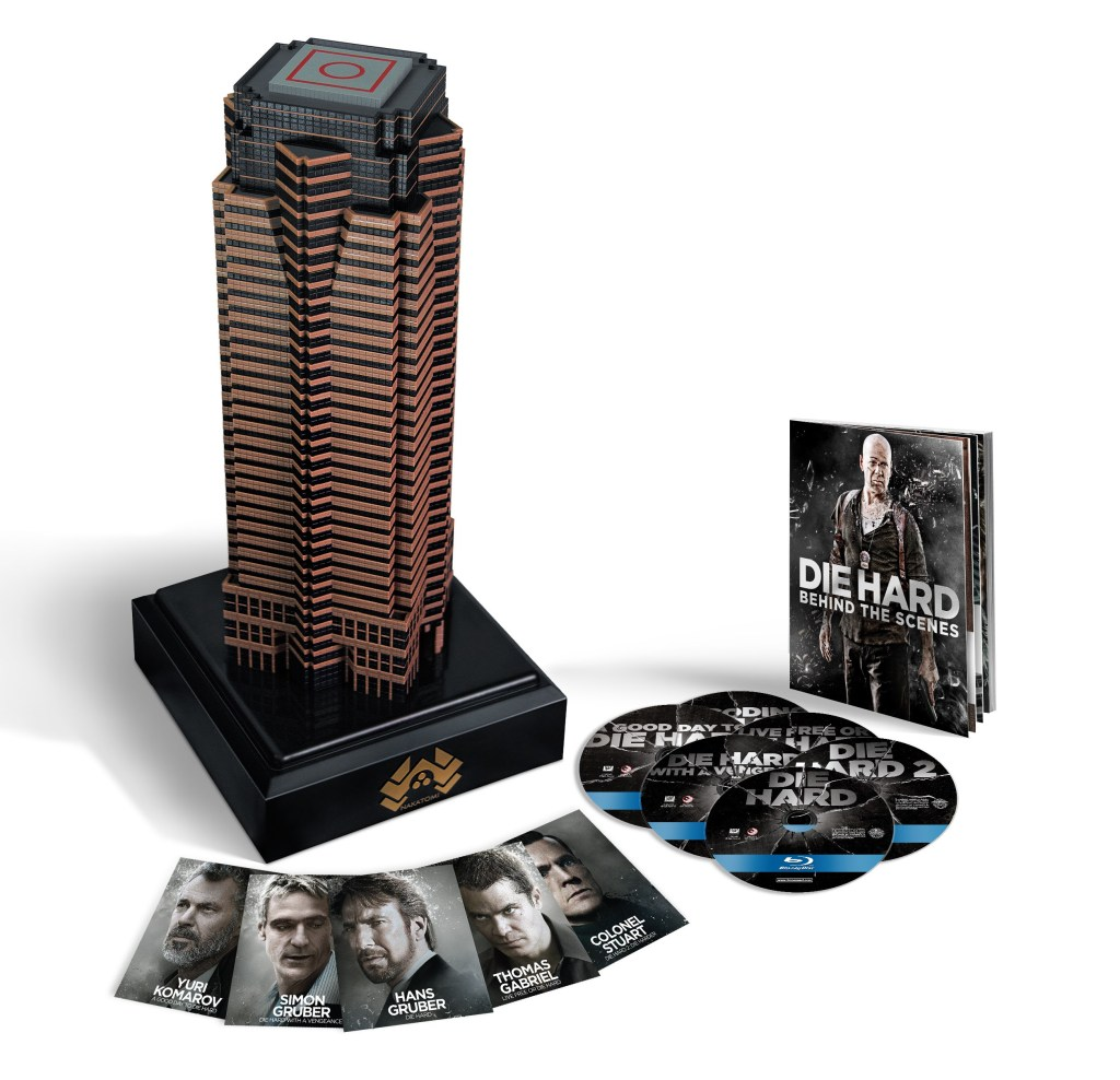 'Nakatomi Plaza Die Hard Collection' incluye no sólo las cinco películas de la serie 'Die Hard', sino también una réplica del edificio estrella de la primera parte.