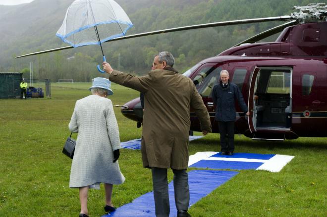Reina Isabel II Helicoptero