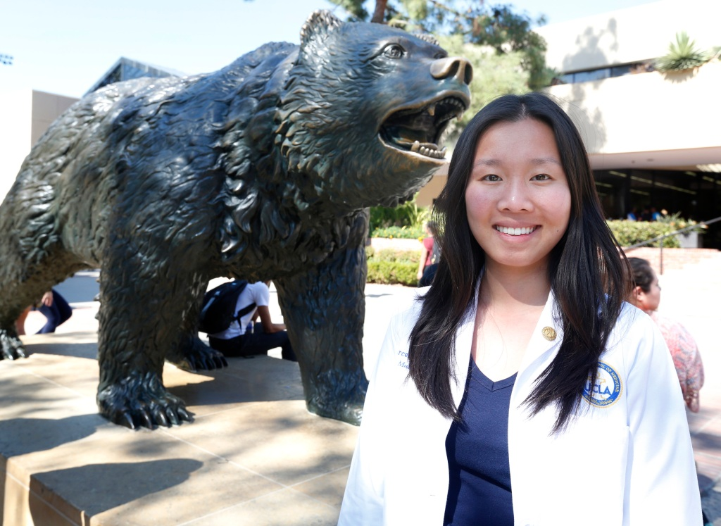 02/25/16 /LOS ANGELES/ Chinese Mexican and UCLA student Marcela Zhou (Photo by Aurelia Ventura/La Opinion)