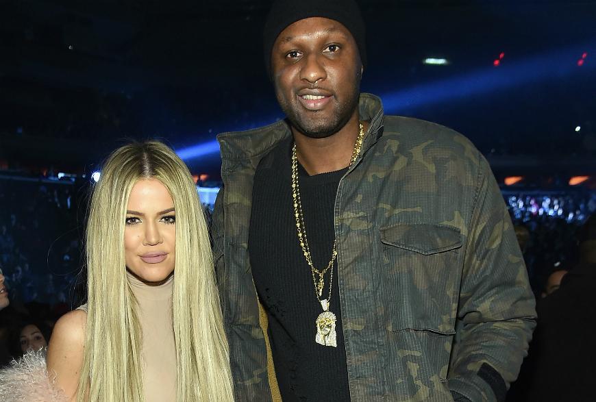 La primera aparición pública de Lamar tras su ingreso en el hospital por sobredosis el pasado octubre, fue para acudir al desfile de moda de moda de su ex cuñado, Kanye West.