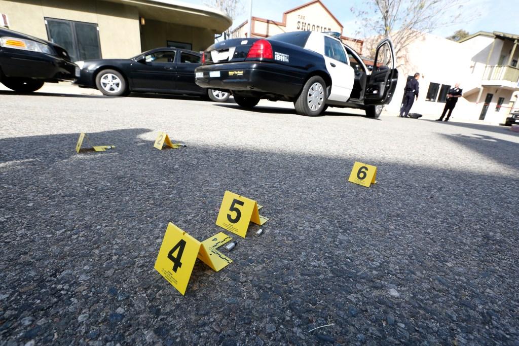Tanto el LAPD, como la Fiscalía investigan los tiroteos policiales. (Foto Aurelia Ventura/La Opinion)