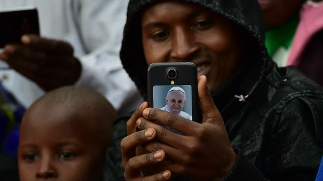 El Papa es uno de los líderes más influyentes en Twitter y ahora hace un pie en Instagram.