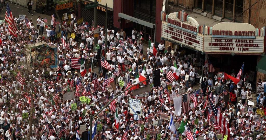 Fueron cientos de miles de personas las que marcharon el 25 de marzo del 2006 en L.A. /Archivo