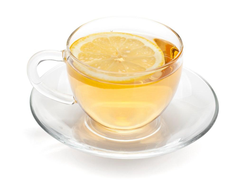 Tibia o caliente favorece la buena digestión y ayuda a eliminar las toxinas.
