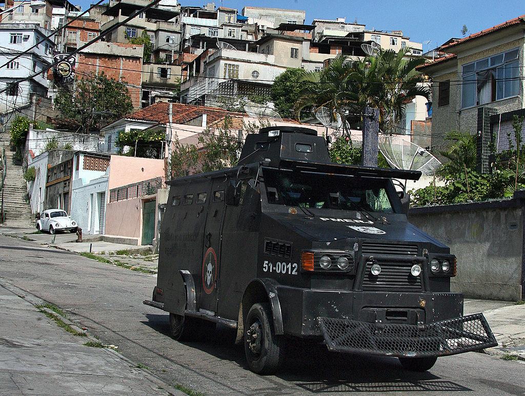La Policía Federal brasileña ha lanzado diversos operativos simultáneos desde el inicio del escándalo, con allanamientos y detenciones. Foto: Getty