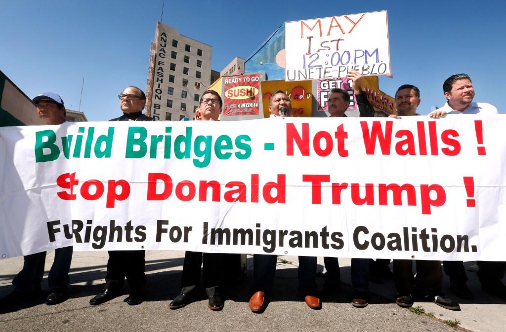 Otro grupo pro-inmigrante marchará al filo del mediodía desde la esquina de las calles Olympic y Broadway. (Foto: Aurelia Ventura/La Opinion)
