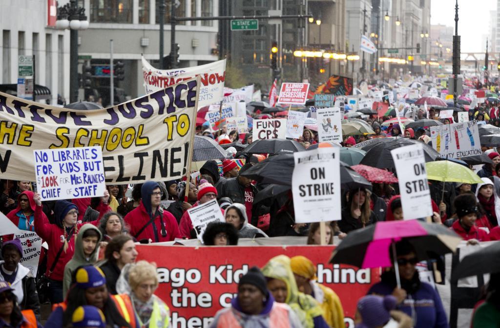 """La Unión de Maestros de Chicago (CTU) celebró hoy el """"Día de Acción"""" con una huelga en contra de los recortes a la educación. Foto: EFE"""