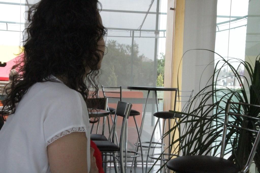 Raquel, la mujer que acusa al regidor de golpear a su novia.