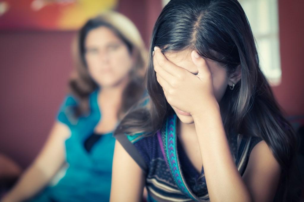 Los padres vienen a enterarse que sus hijos adolescentes son activos sexualmente cuando éstos se contagian de alguna enfermedad venérea.