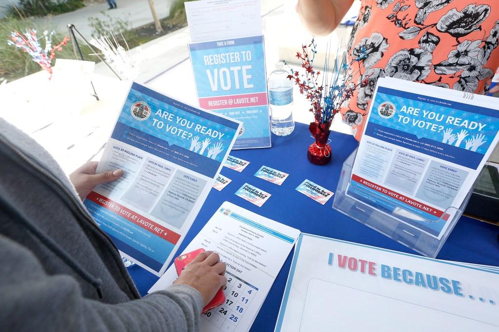 Hay varias formas de registrarte para votar, pero debes hacerlo antes del 23 de mayo para poder ejercer tu voto en la elección primaria del 7 de junio. /AURELIA VENTURA