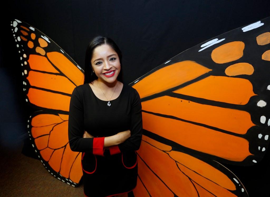 Sandra López tiene ambiciones grandes luego de graduarse de la Universidad. (Aurelia Ventura/ La Opinion)