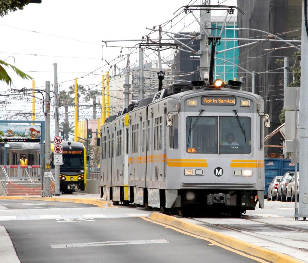 Continuar expandiendo la red de metro y autobús es fundamental para hacer Los Ángeles más accesible a todos (Foto: Aurelia Ventura/La Opinión)