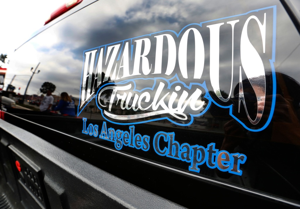 El logo del club de autos Hazardous Truckin (Aurelia Ventura/ La Opinion)