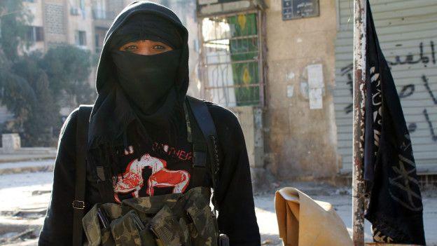 Al Nusra está tratando de ganarse el apoyo de las poblaciones que controla en Siria sin imponer el terror de Estado Islámico.