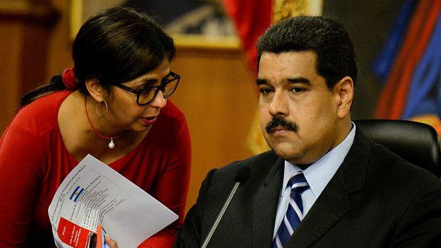 El presidente Nicolás Maduro ha advertido que las empresas que cierren fábricas corren el riesgo de perderlas.