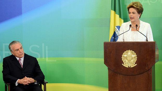 Dilma y TemerImage copyrightAFP Image caption Temer dijo sentirse relegado en los gobiernos de Rousseff.