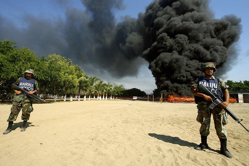 Operativos militares antidrogas ineficientes en México propician que la droga producida aquí llegue a otros países. Foto: Getty