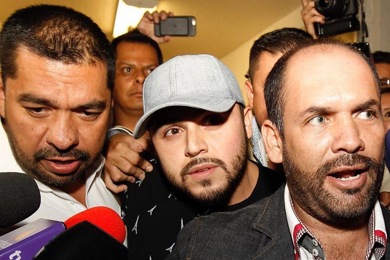 El cantante fue detenido en Guadalajara, Jalisco