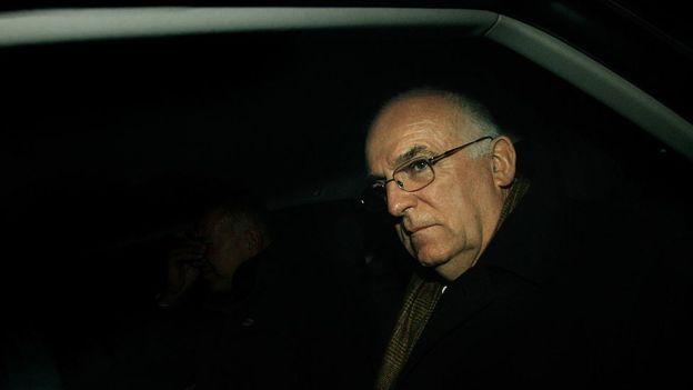 Richard Dearlove era el jefe del MI6 que aseguraba contar con una fuente que conocía de las armas de destrucción masiva de Irak que nunca se comprobaron.