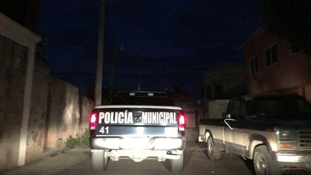 El policía tiene a su cargo 32 comunidades.