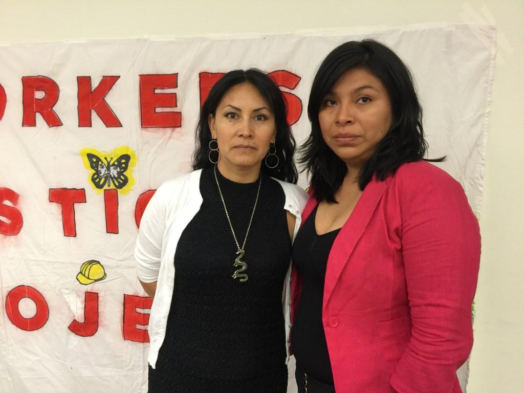Isabel Castillo de Ecuador, fue jornalera durante dos años, y Leticia Sánchez que sigue tras 10 años volviendo varios días a La Parada./A. B. N.
