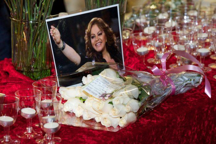 La cantante falleció el 9 de diciembre de 2012 en un accidente de aviación.