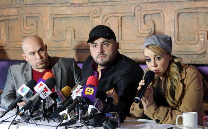 Lupillo Rivera, Juan Rivera y  Rosie Rivera en uno de los homenajes que se celebraron en honor a su hermana.