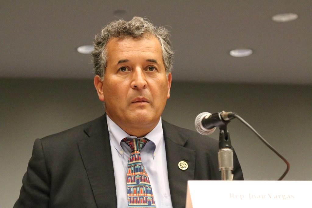 El congresista demócrata por California, Juan Vargas, instó a los latinos a salir a votar en noviembre. Foto: María Peña/Impremedia
